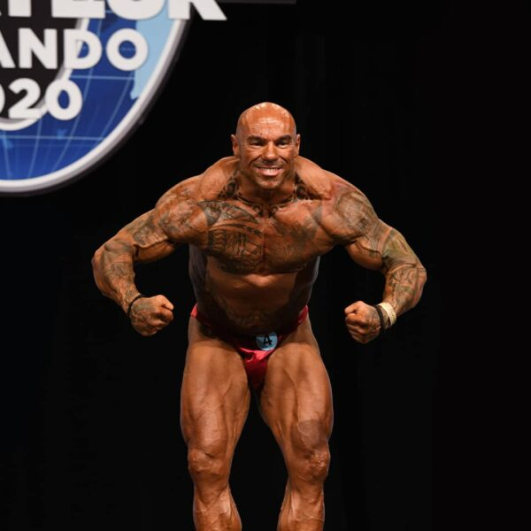 Tose Zafirov flexing his muscles on Mr. Olympia Orlando 2020